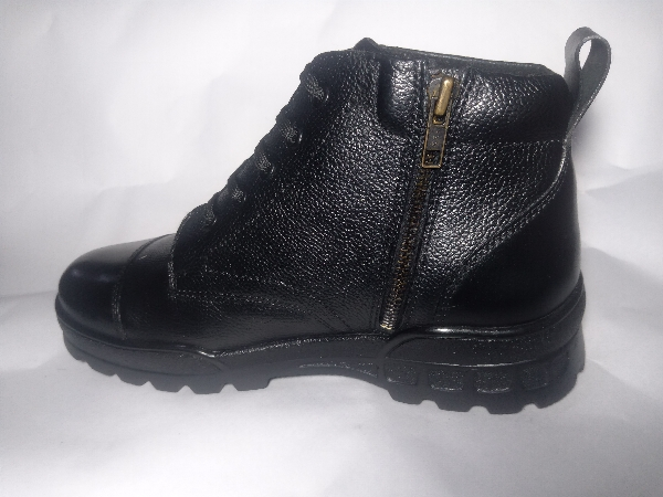 RUNWAY FOOTWEAR 019
